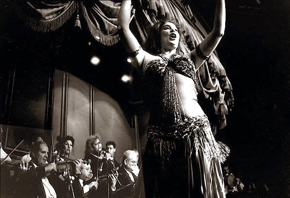 Fifi Abdu Dance