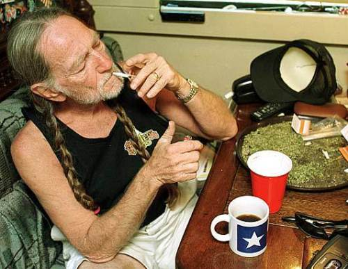 willie nelson smoking