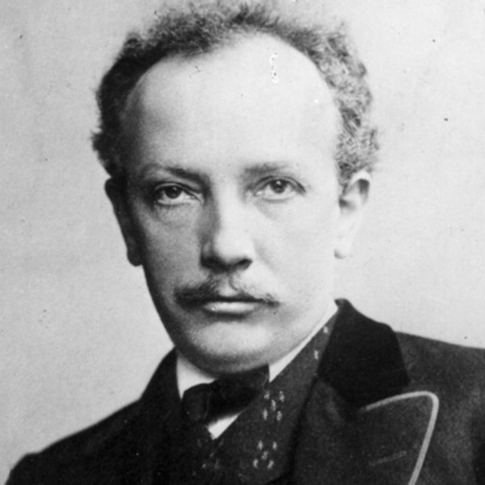 R. Strauss
